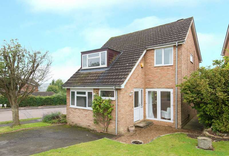 4 Bedrooms Detached House for sale in Sayers Gardens, Berkhamsted