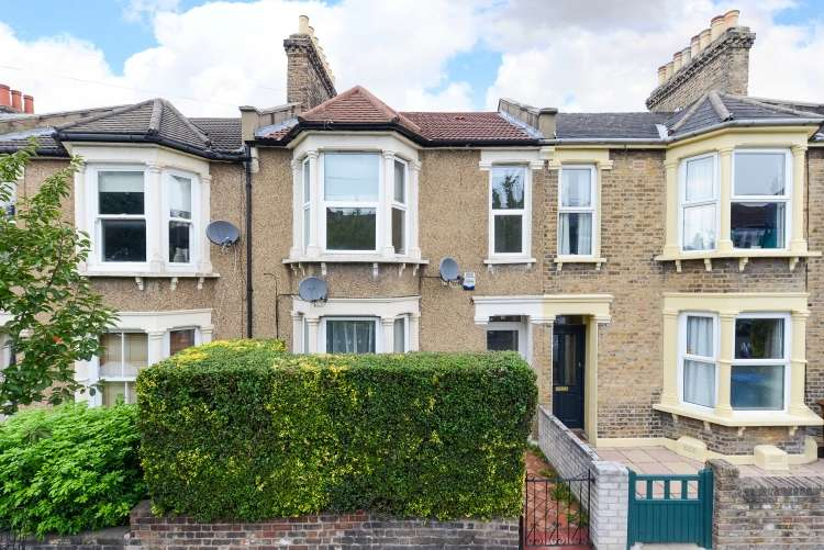 2 Bedrooms Flat for sale in Whateley Road London SE22