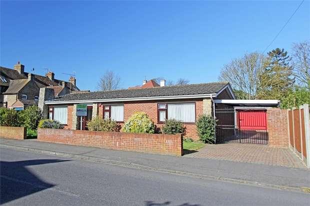 3 Bedrooms Detached Bungalow for sale in Cranbrook Drive, Sittingbourne, Kent
