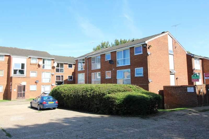 1 Bedroom Flat for sale in Nightingale Walk, Woodhall Farm, Hemel Hempstead, HP2