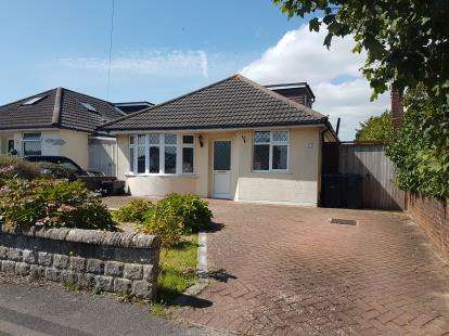 4 Bedrooms Bungalow for sale in Wallisdown, Bournemouth, Dorset