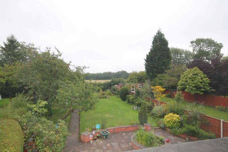 4 Bedrooms Detached House for sale in Shanklin Drive, Stoneygate