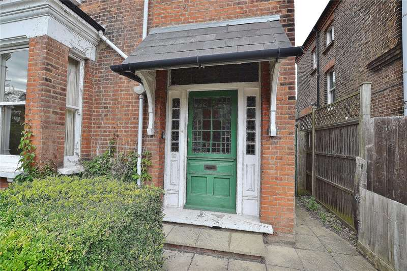 5 Bedrooms Semi Detached House for sale in Marriott Road, High Barnet, Hertfordshire, EN5