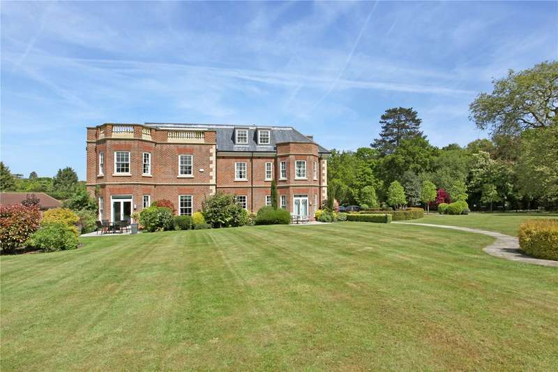3 Bedrooms Flat for sale in Cranbourne Hall, Drift Road, Winkfield, Windsor, SL4