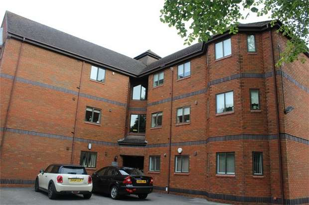 2 Bedrooms Flat for sale in Queens Park Avenue, Stoke-on-Trent, Staffordshire