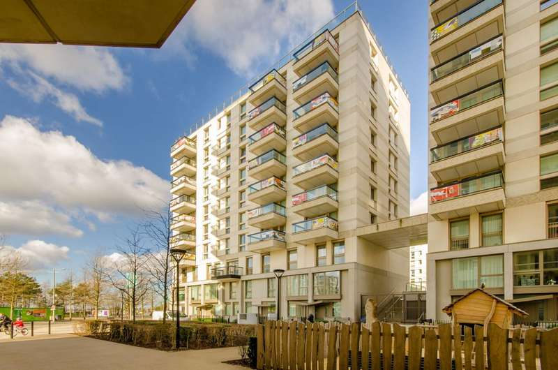 3 Bedrooms Flat for rent in Prize Walk, Stratford, E20