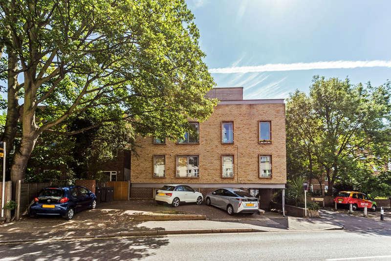 1 Bedroom Flat for sale in Kingston Hill, Kingston upon Thames, KT2