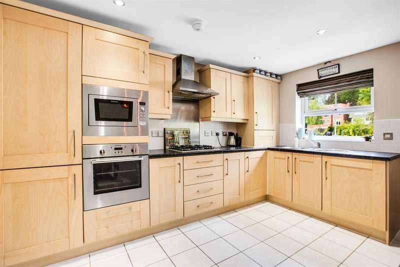 2 Bedrooms Flat for sale in The Coppice, Worsley, Manchester, M28 2NS