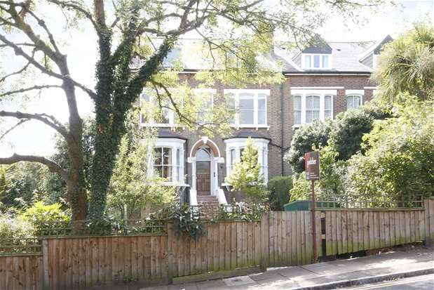 2 Bedrooms Flat for sale in Manor Mount, Forest Hill