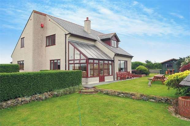 4 Bedrooms Detached House for sale in Bryngwran, Holyhead, Anglesey
