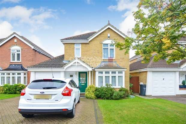 4 Bedrooms Detached House for sale in Moxom Avenue, Cheshunt, Hertfordshire