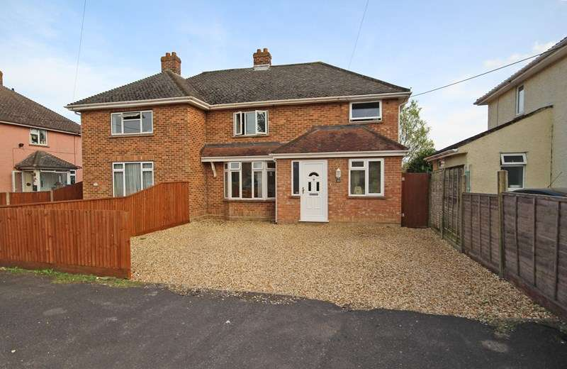 4 Bedrooms Semi Detached House for sale in Winchester Road, New Milton