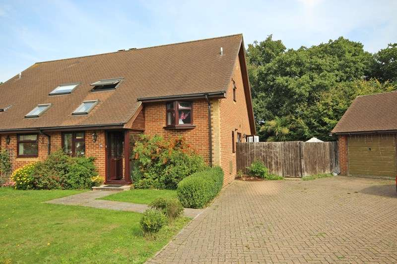 4 Bedrooms Semi Detached House for sale in Yerville Gardens, Hordle, Lymington