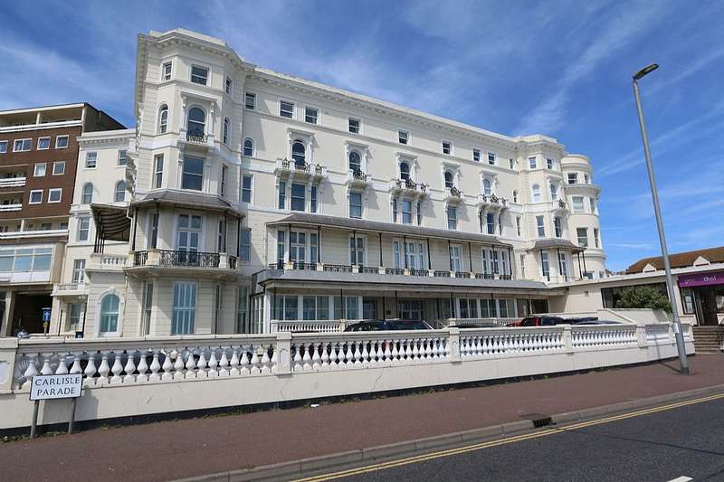 2 Bedrooms Apartment Flat for sale in Queens Apartments, Robertson Terrace, Hastings, East Sussex, TN34 1JN