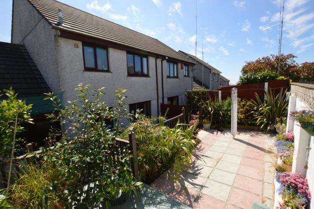 3 Bedrooms Semi Detached House for sale in Mount Pleasure, Camborne, Cornwall