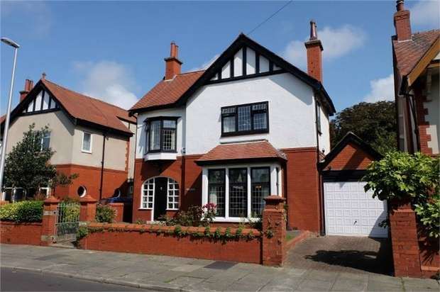 4 Bedrooms Detached House for sale in St Clements Avenue, Blackpool, Lancashire