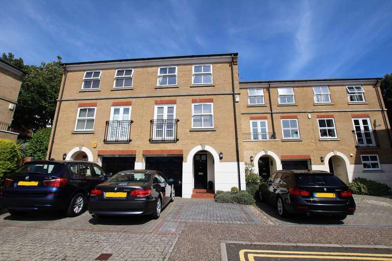 3 Bedrooms Town House for sale in Richmond Place, Eastbourne, BN21 2NQ
