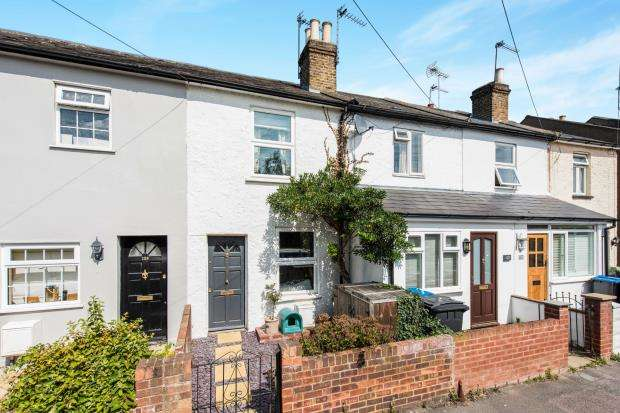2 Bedrooms Terraced House for sale in Kingston Upon Thames, Surrey, England