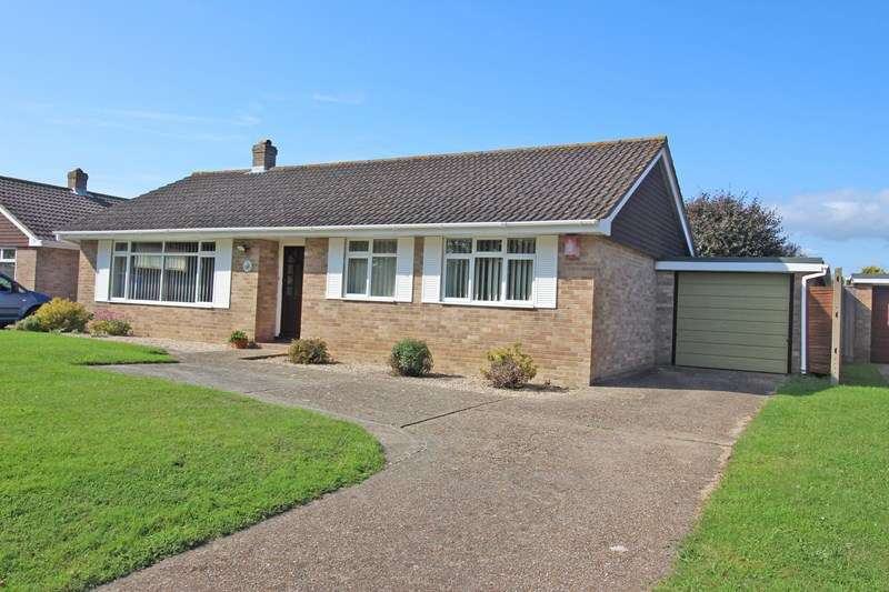 3 Bedrooms Detached Bungalow for sale in Old Christchurch Road, Everton, Lymington
