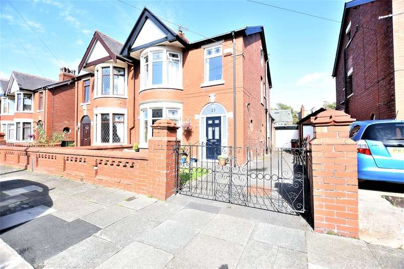 4 Bedrooms Semi Detached House for sale in Kempton Avenue, Blackpool
