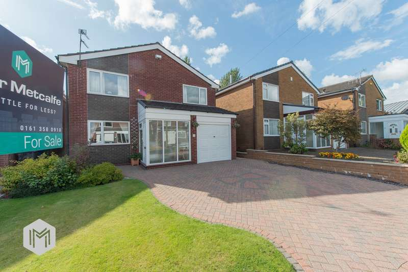 4 Bedrooms Detached House for sale in Cleadon Drive South, Bury, BL8
