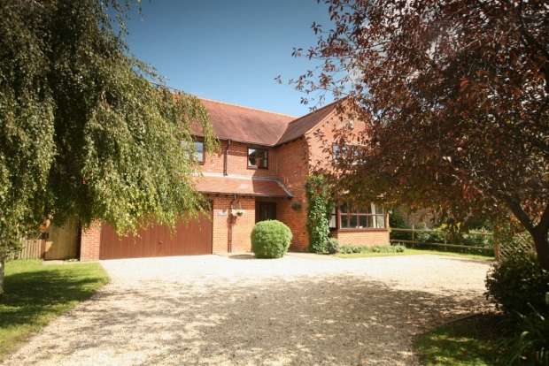 5 Bedrooms Detached House for sale in Church Road Wheatley