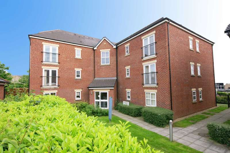 2 Bedrooms Apartment Flat for sale in Abernethy Court, Horwich