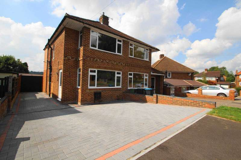 3 Bedrooms Semi Detached House for sale in 3 BED EXTENDED SEMI CLOSE TO TRAIN STATION