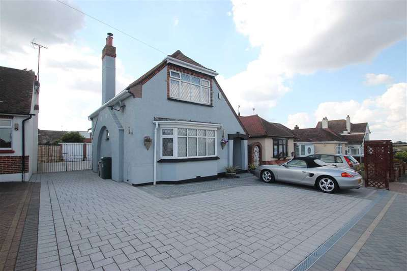2 Bedrooms Detached House for sale in Merrilees Crescent, Holland-On-Sea