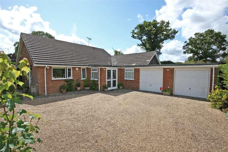 3 Bedrooms Detached Bungalow for sale in The Meadows, Churt, Farnham, Surrey, GU10