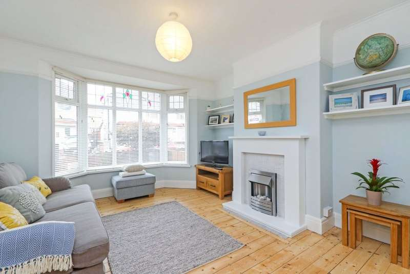 3 Bedrooms Semi Detached House for sale in Penrhos Avenue, Llandudno Junction, Conwy LL31 9EL