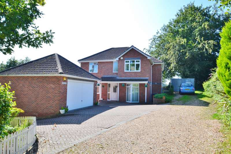 6 Bedrooms Detached House for sale in Ferndown