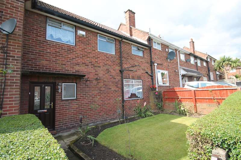 3 Bedrooms Town House for sale in Whins Avenue, Farnworth, Bolton, BL4 0NP