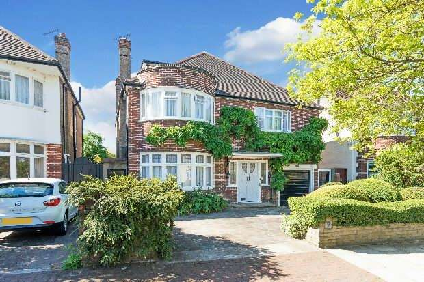6 Bedrooms Unique Property for sale in Dobree Avenue, Willesden Green, NW10