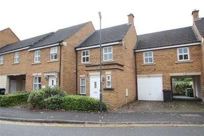 3 Bedrooms House for rent in Lancelot Road, Stoke Park, Bristol