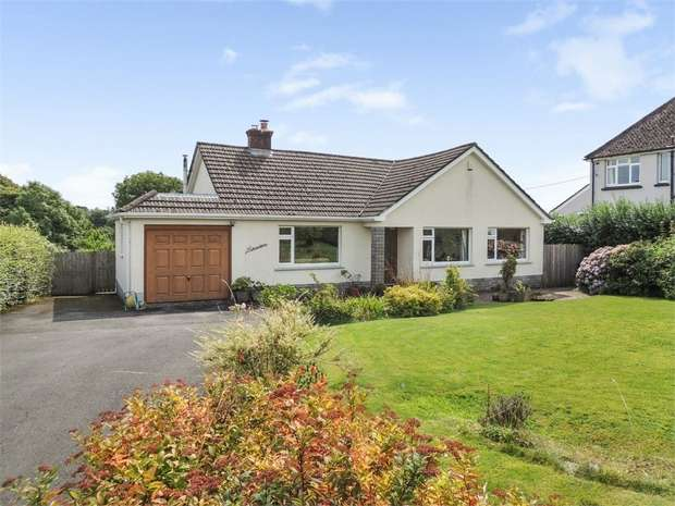 3 Bedrooms Detached Bungalow for sale in North Road, Holsworthy, Devon