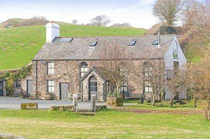 5 Bedrooms Equestrian Facility Character Property for sale in Maenan, Llanrwst, Conwy, LL26