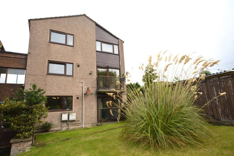 3 Bedrooms Flat for sale in Rannoch Road, Rosyth, Dunfermline, KY11