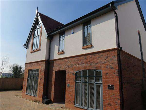 5 Bedrooms Property for rent in Phoenix Court, Mostyn Place, Parkgate