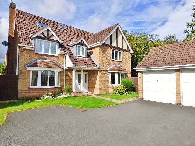 7 Bedrooms Detached House for sale in Florida Close, Great Sankey, Warrington