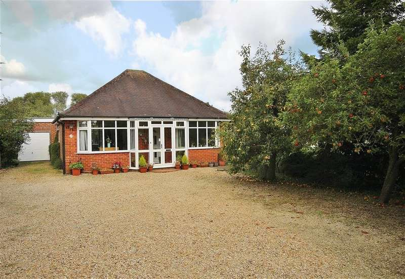 4 Bedrooms Detached Bungalow for sale in Foxborough Road, Radley, Abingdon, OX14