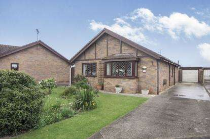 3 Bedrooms Bungalow for sale in Trem Y Castell, Towyn, Abergele, Conwy, LL22