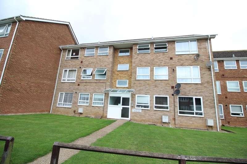 2 Bedrooms Flat for sale in Vigilant Way, Gravesend, DA12