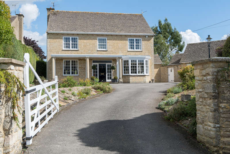 4 Bedrooms Detached House for sale in Cutwell, Tetbury