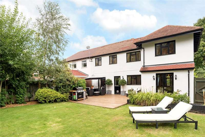 3 Bedrooms Semi Detached House for sale in Chantry Cottages, Chantry Road, Chilworth, Guildford, GU4