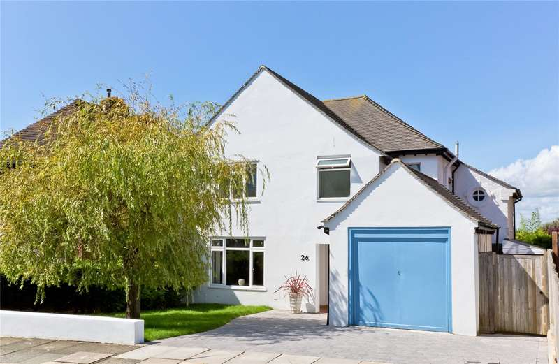 3 Bedrooms Detached House for sale in Bishops Road, Hove, East Sussex, BN3