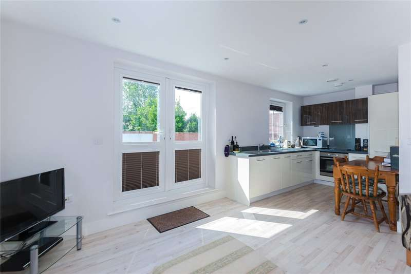 1 Bedroom Flat for sale in Brooklands Court, 415 Burnt Oak Broadway, Edgware, HA8