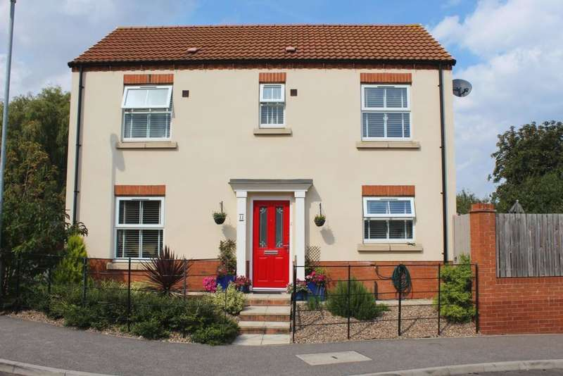 4 Bedrooms Detached House for sale in Bevers Way, Holton-Le-Clay, DN36