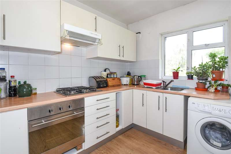 2 Bedrooms Apartment Flat for sale in Northcote, 86 Rickmansworth Road, Pinner, Middlesex, HA5
