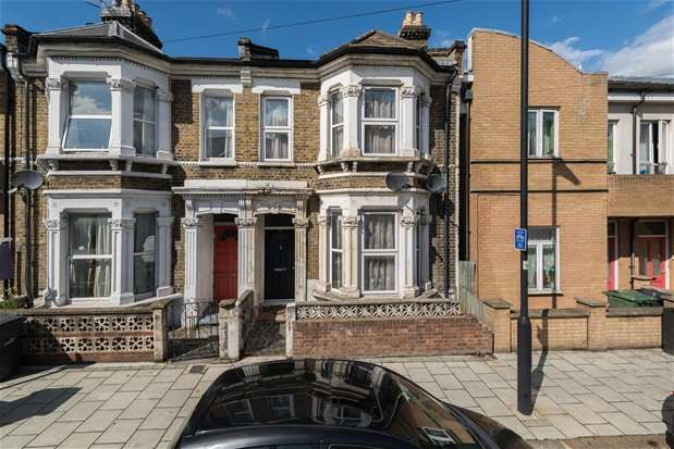 3 Bedrooms Terraced House for sale in Morval Road, Brixton